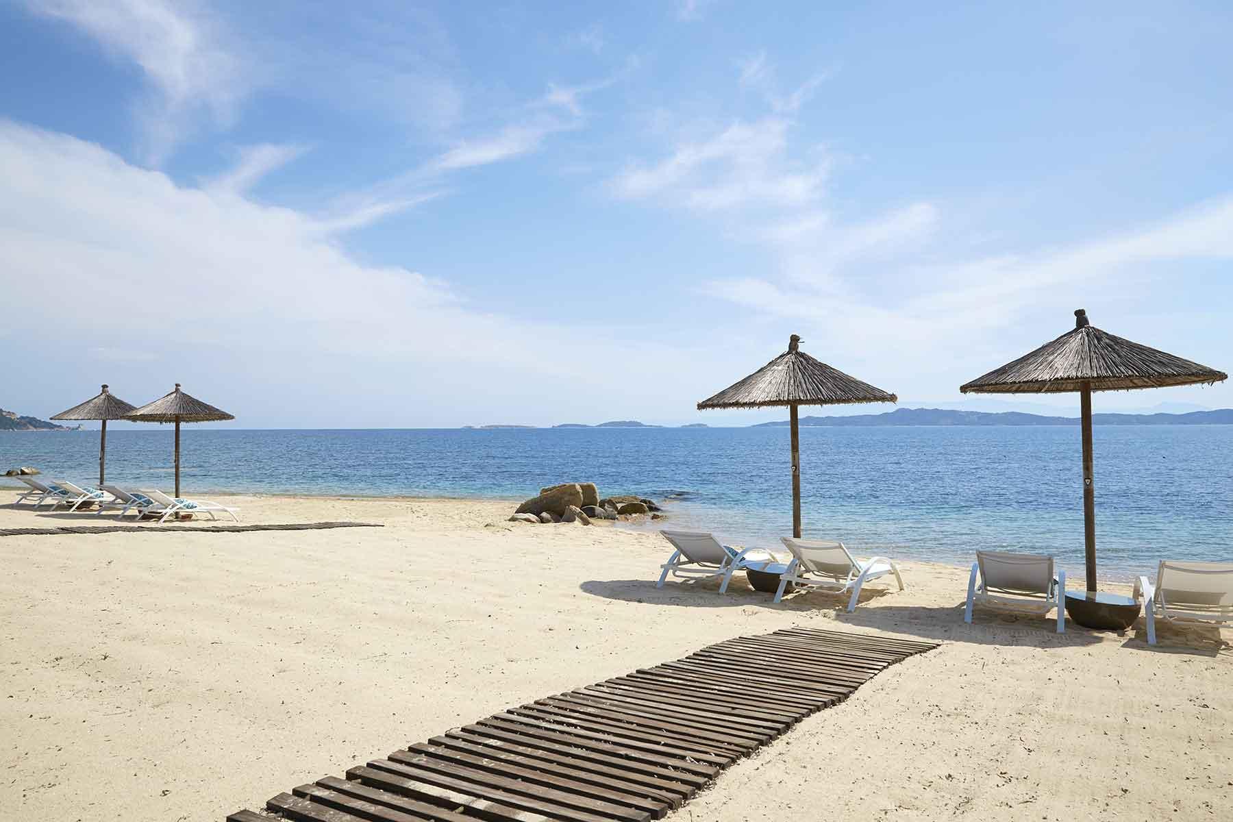 Eagles-Palace-Halkidiki-Grekland---strand---Nygren-&-Lind-Resebyrå