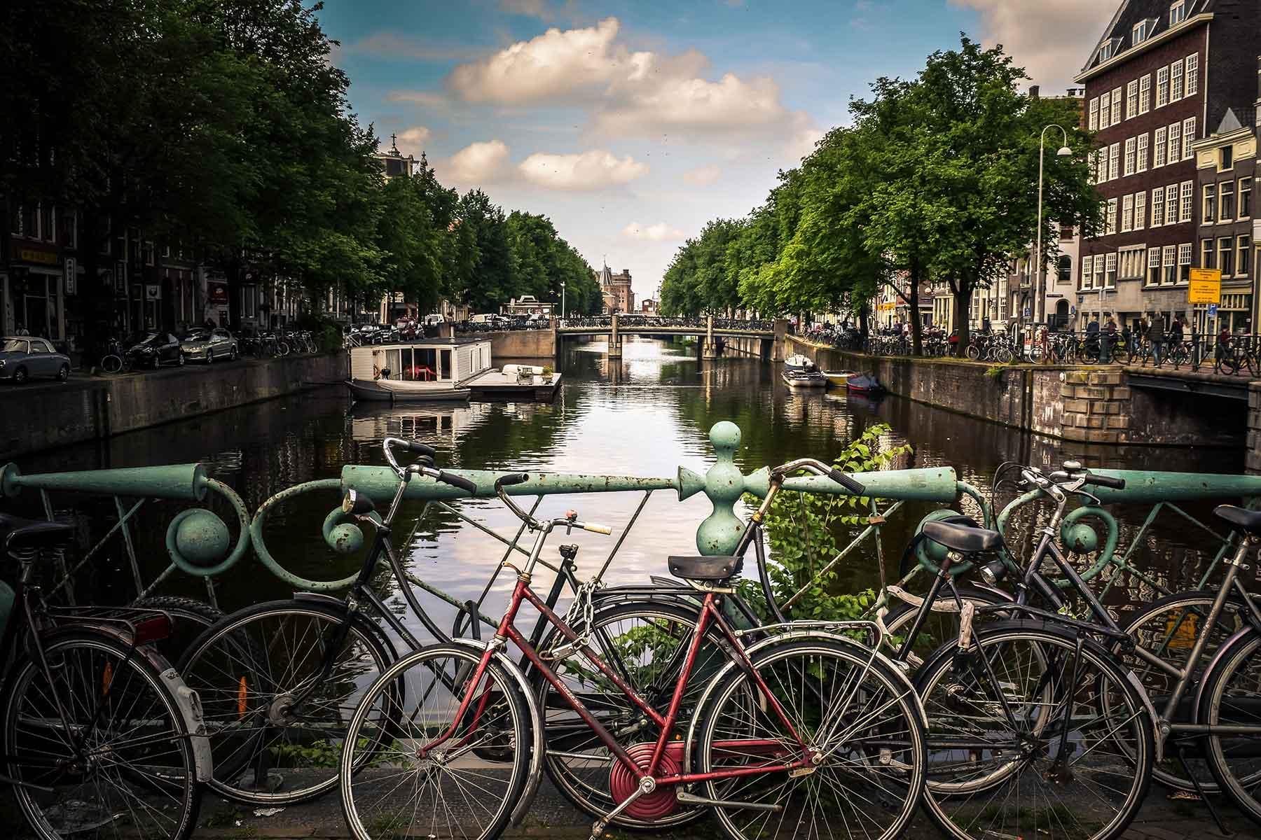 Resor-till-Amsterdam-med-Nygren-Lind-Resebyrå---cyklar