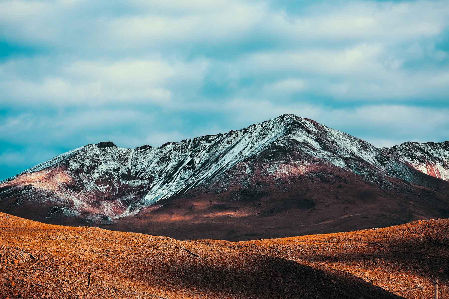Resor-till-Bolivia-med-Nygren-&-Lind-Resebyrå---bergstoppar-med-snö