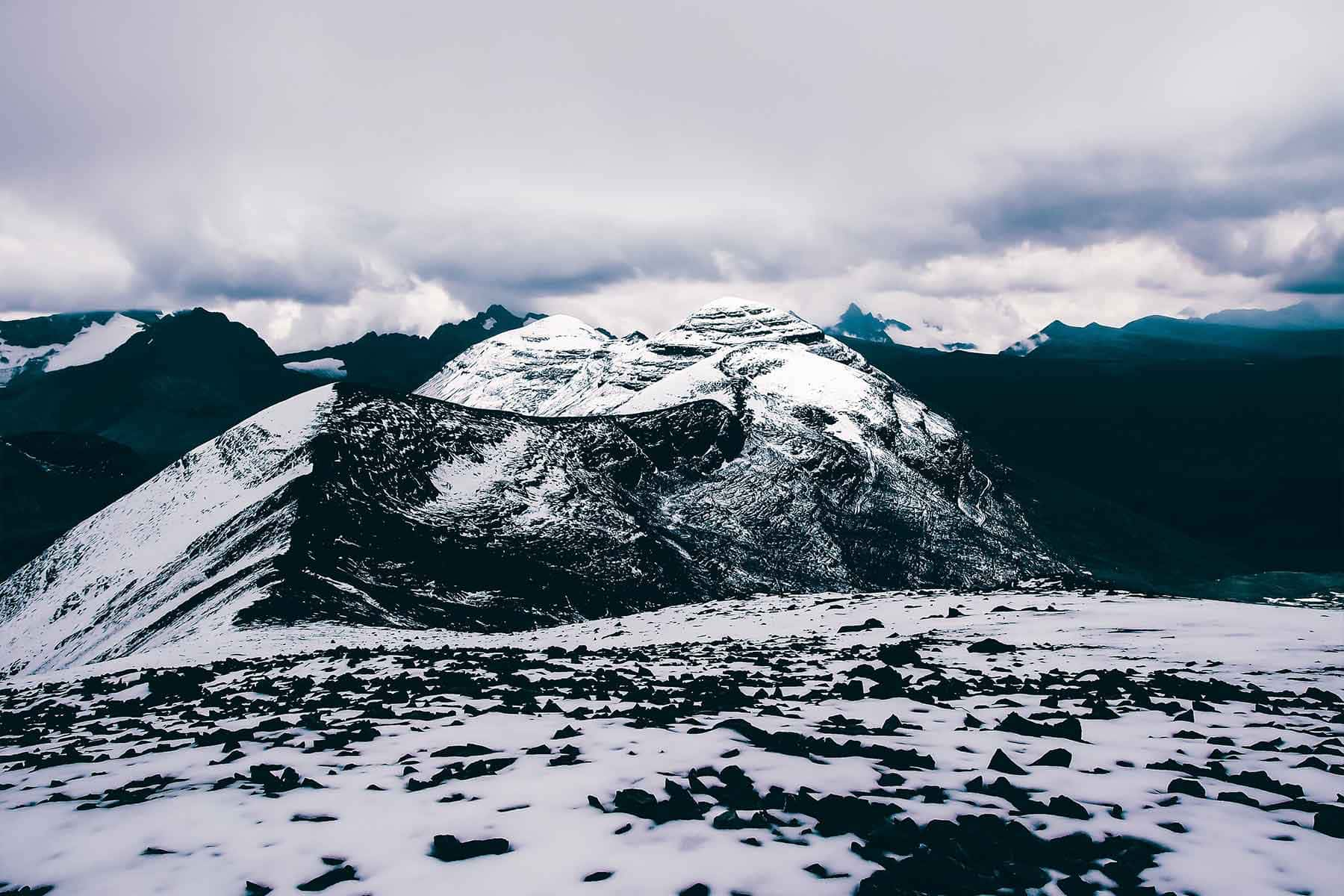 Resor-till-Bolivia-med-Nygren-&-Lind-Resebyrå---bergstoppar