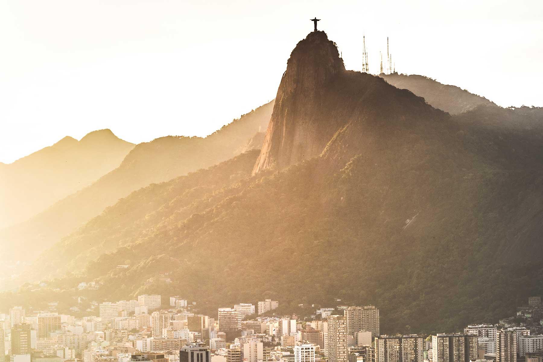 Resor-till-Brasilien-med-Nygren-&-Lind-Resebyrå---kristusstaty-Rio-de-Janeiro