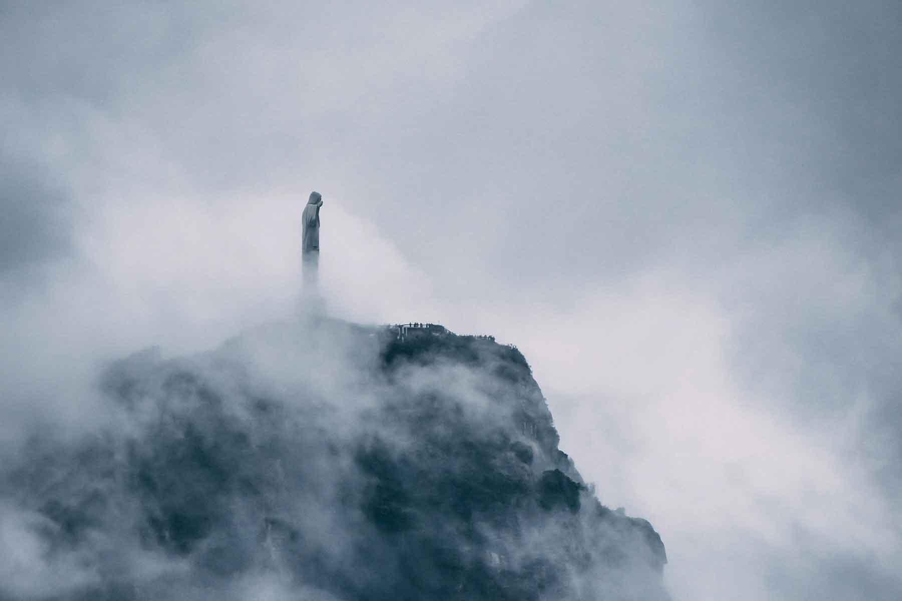 Resor-till-Brasilien-med-Nygren-&-Lind-Resebyrå--kristusstaty-i-moln