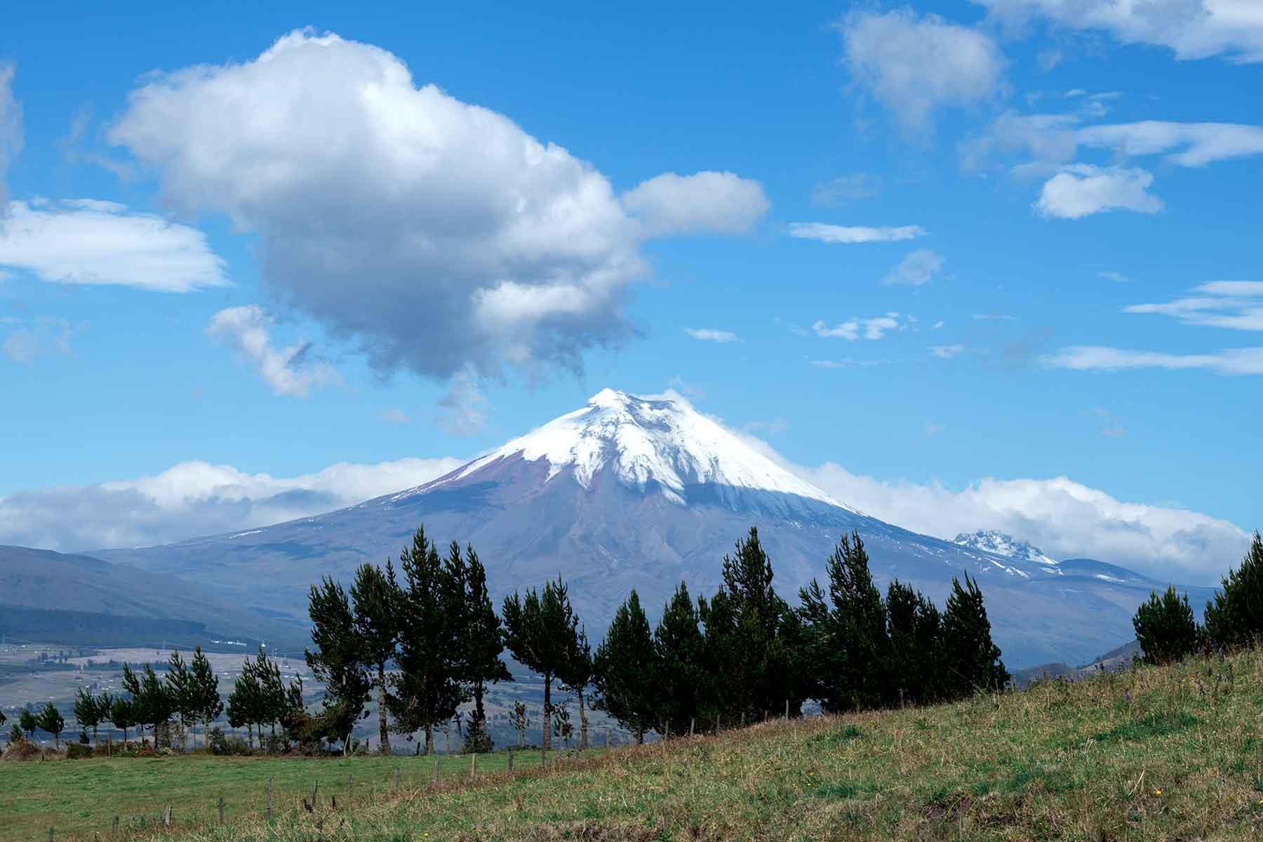 Resor-till-Ecuador-med-Nygren-&-Lind-Resebyrå---bergtopp1