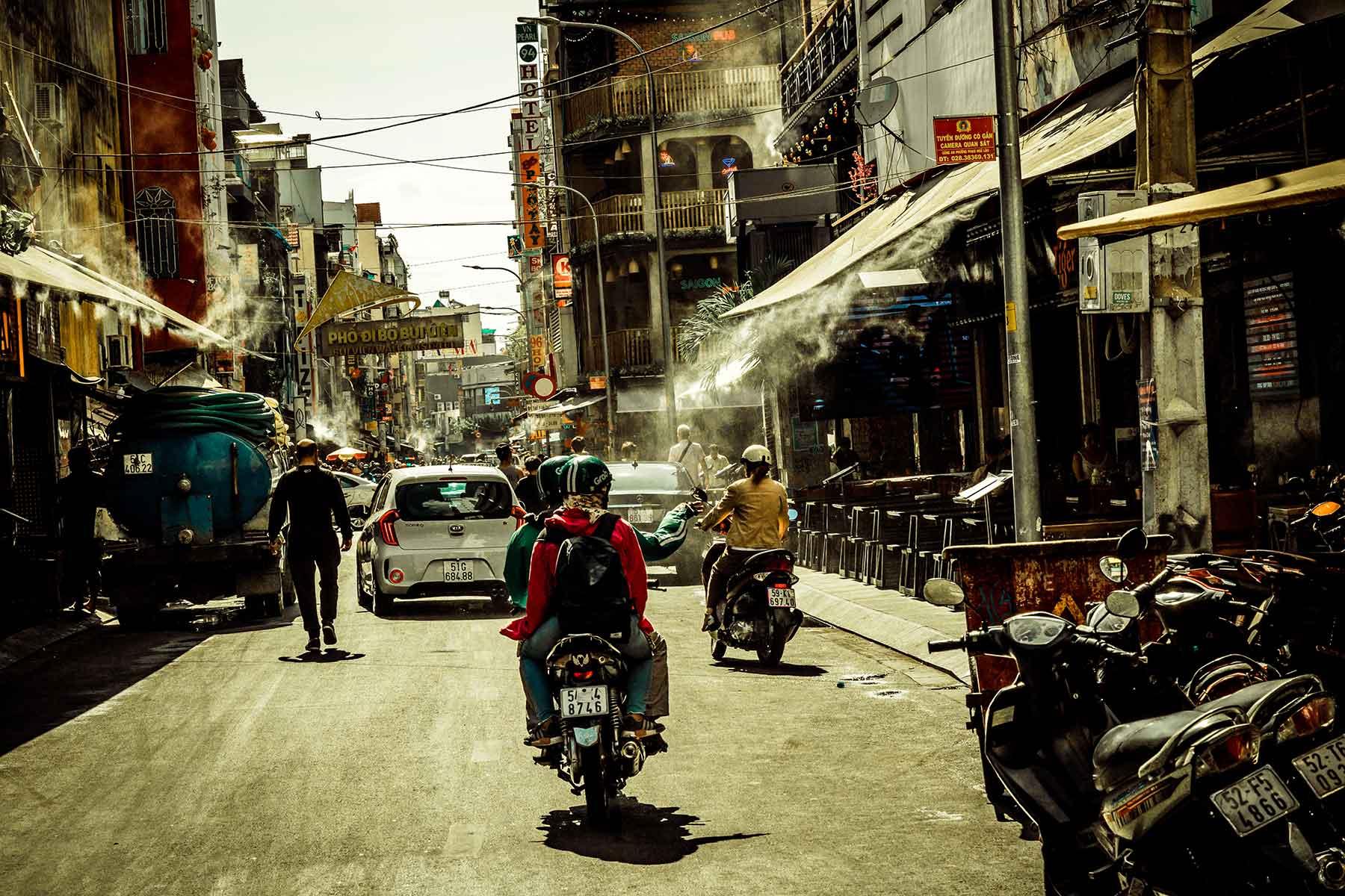 Resor-till-Ho-Chi-Minh-Nygren-Lind-Resebyrå-trafik
