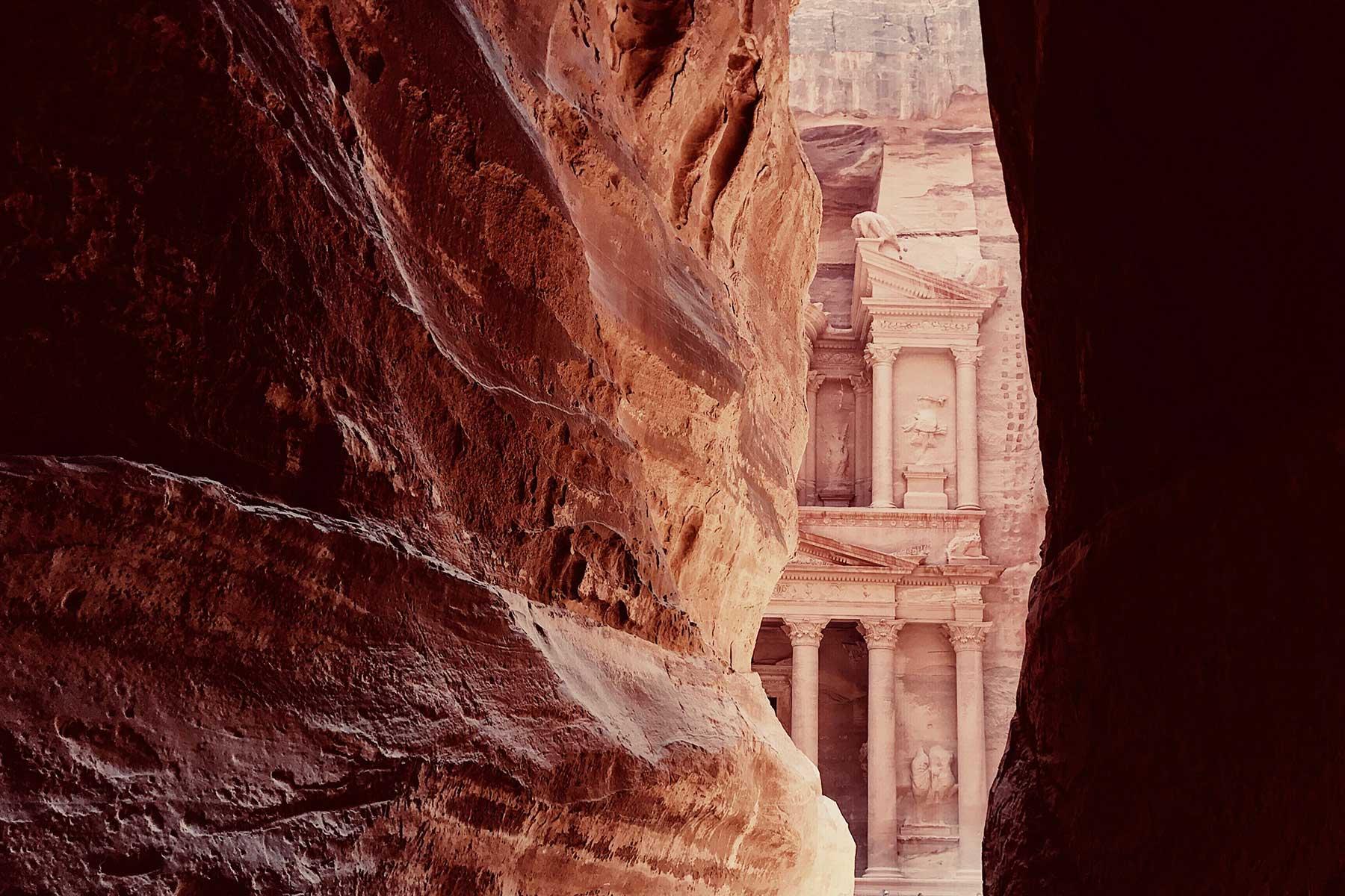 Resor-till-Jordanien-med-Nygren-&-Lind-Resebyrå---Petra-fasad