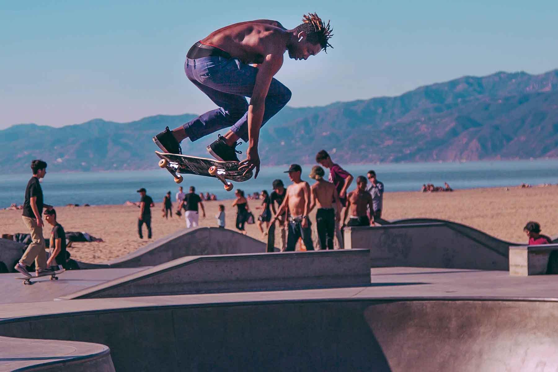 Resor-till-Kalifornien-med-Nygren-&-Lind-Resebyrå---kille-på-skateboard