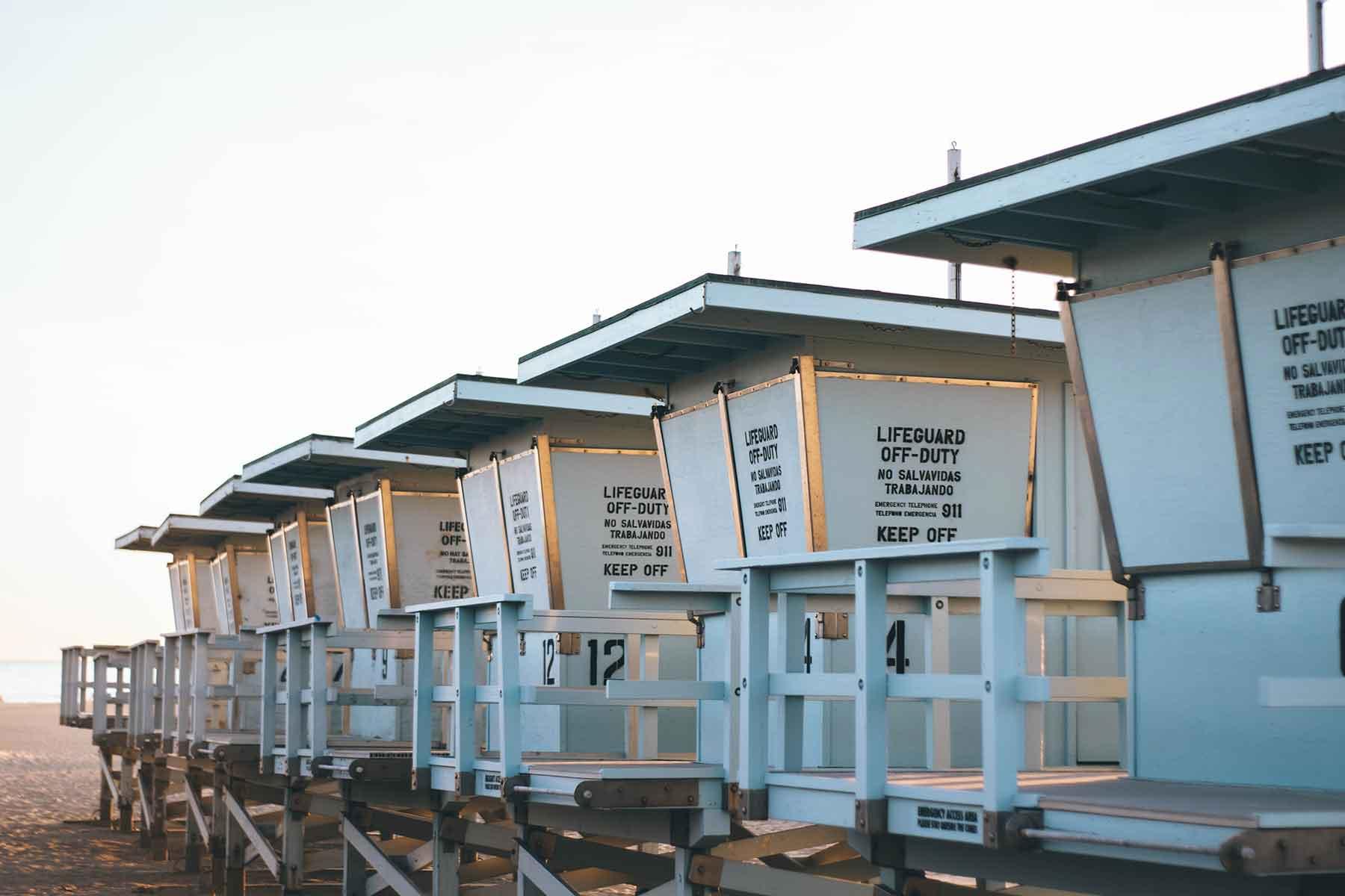 Resor-till-Kalifornien-med-Nygren-&-Lind-Resebyrå---lifeguard-hyddor
