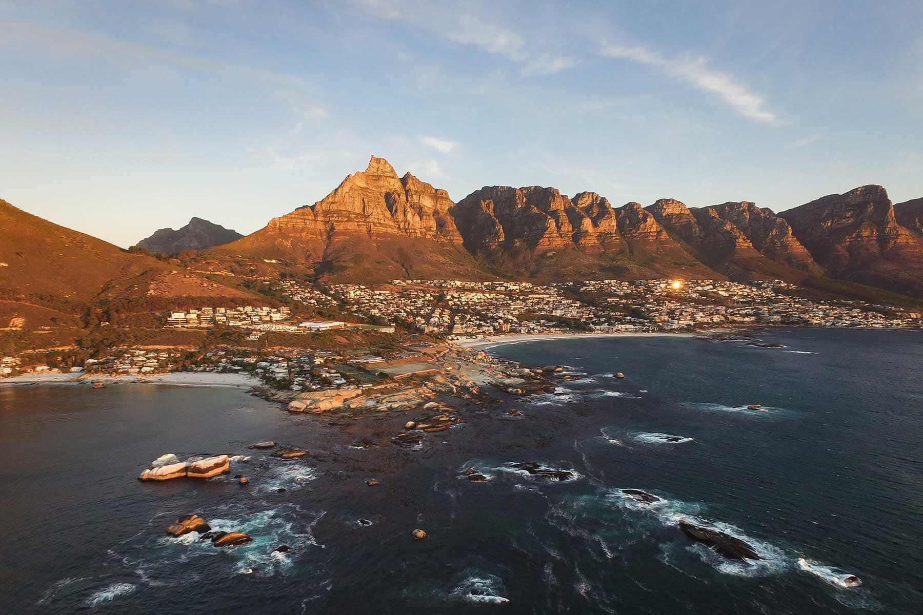 Resor-till-Kapstaden-med-Nygren-&-Lind-Resebyrå---taffelberge