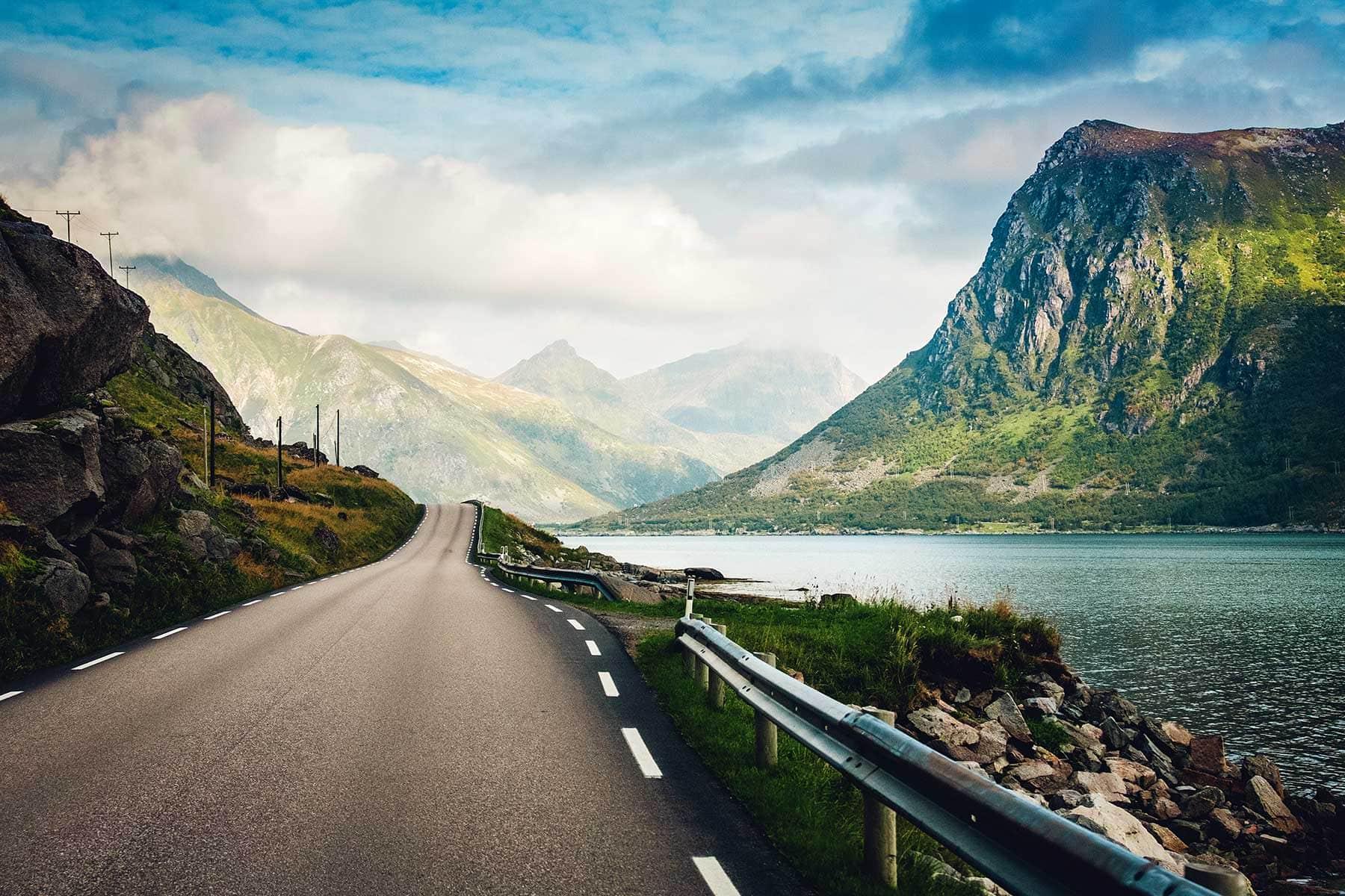 Resor-till-Lofoten-i-Norge---landskap-Nygren-Lind-Resebyrå