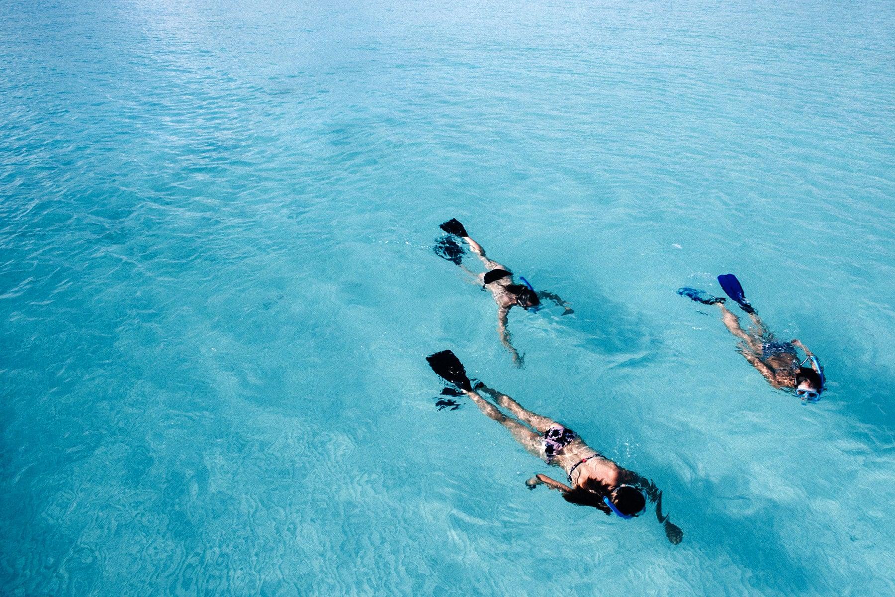 Resor-till-Maldiverna-med-Nygren-&-Lind-resebyrå---snorklare