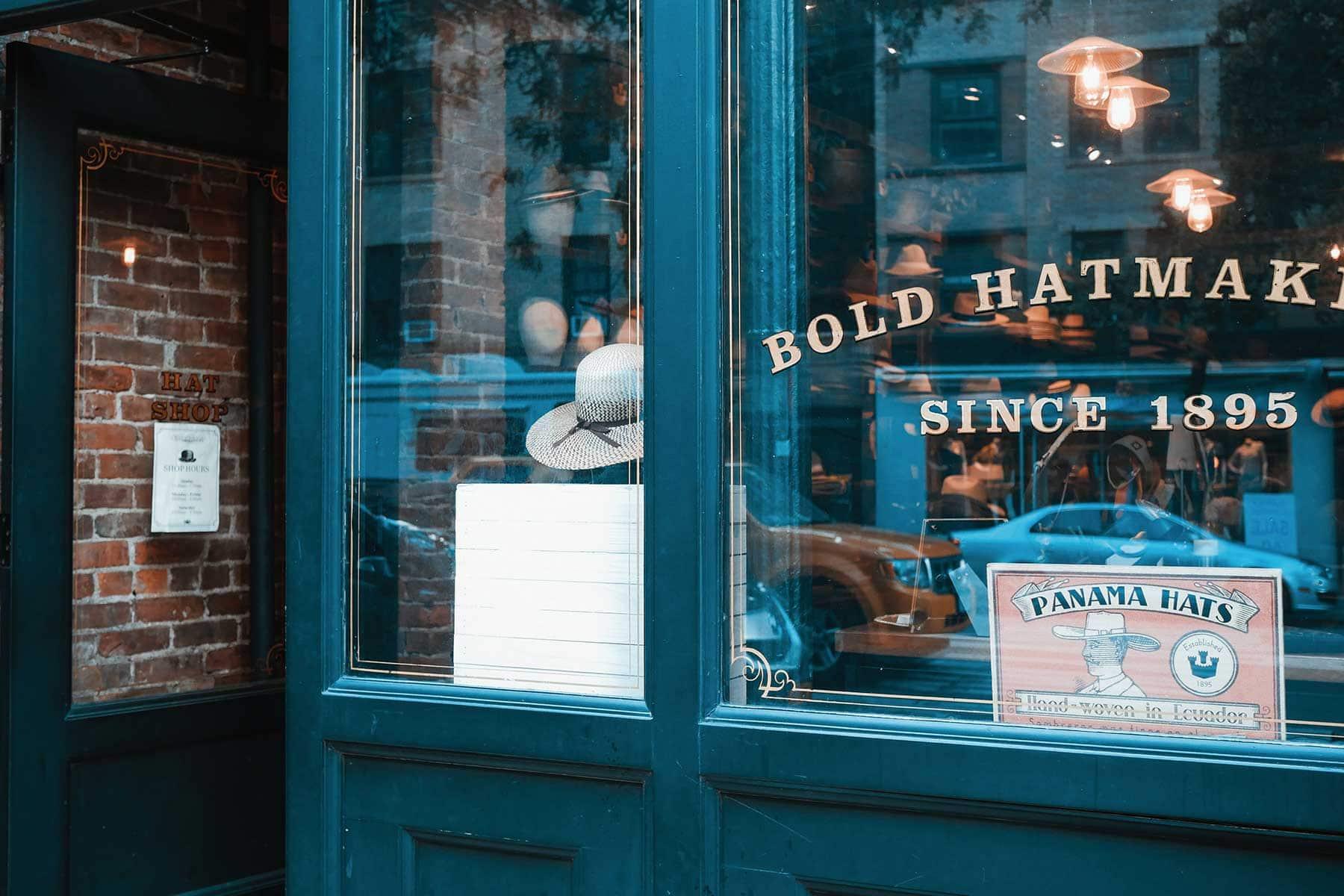 Resor-till-New-York-med-Nygren-Lind-Resebyrå---shopping-hattar