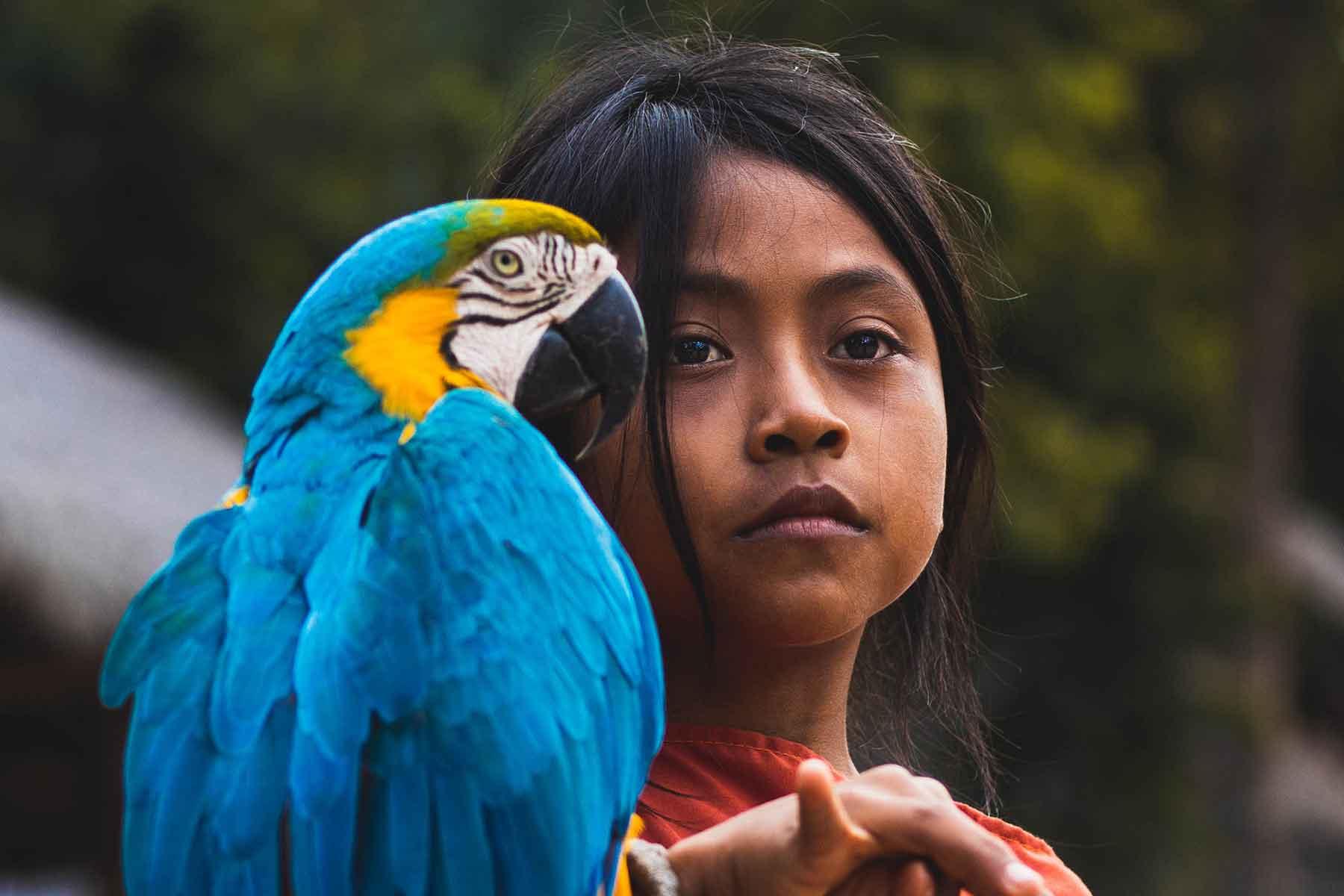 Resor-till-Peru-med-Nygren-&-Lind-Resebyrå---tjei-i-peru-med-papegoja