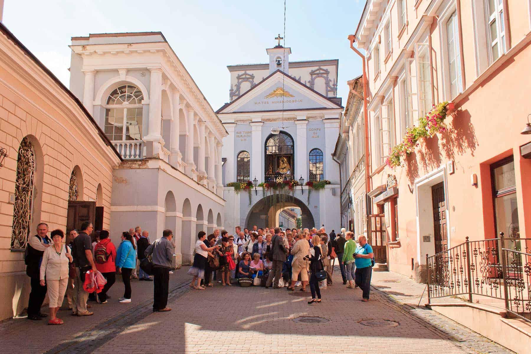 Resor_Litauen_Ausros-Vartu-Street-Gates-of-Dawn_nygren_lind