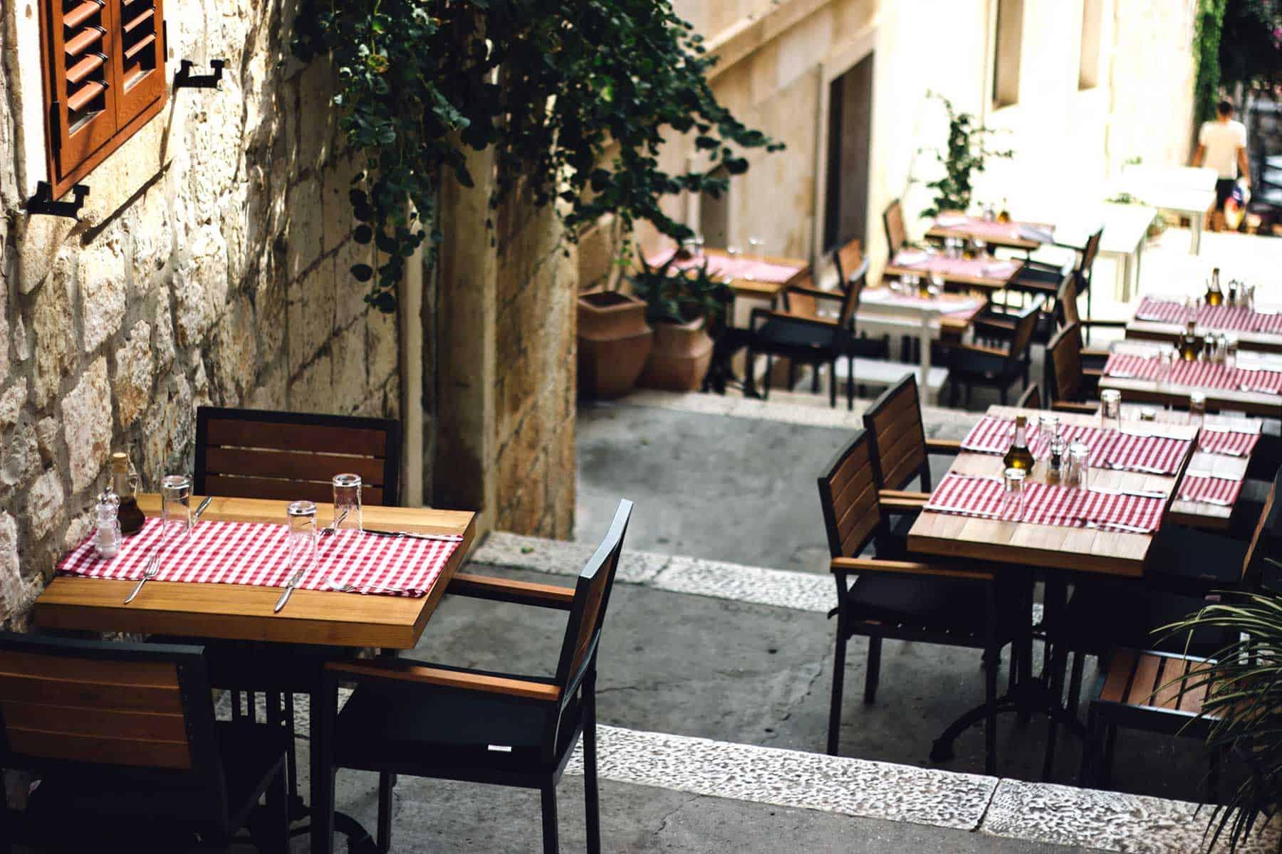 Resor_till_Cavtat_i_Kroatien_Restaurang_med_Nygren_Lind_Resebyrå