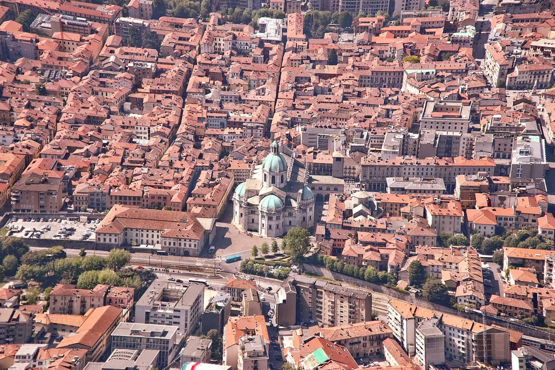 Resor_till_Comosjön_i_Italien_Katedralen_med_Nygren_Lind_Resebyrå