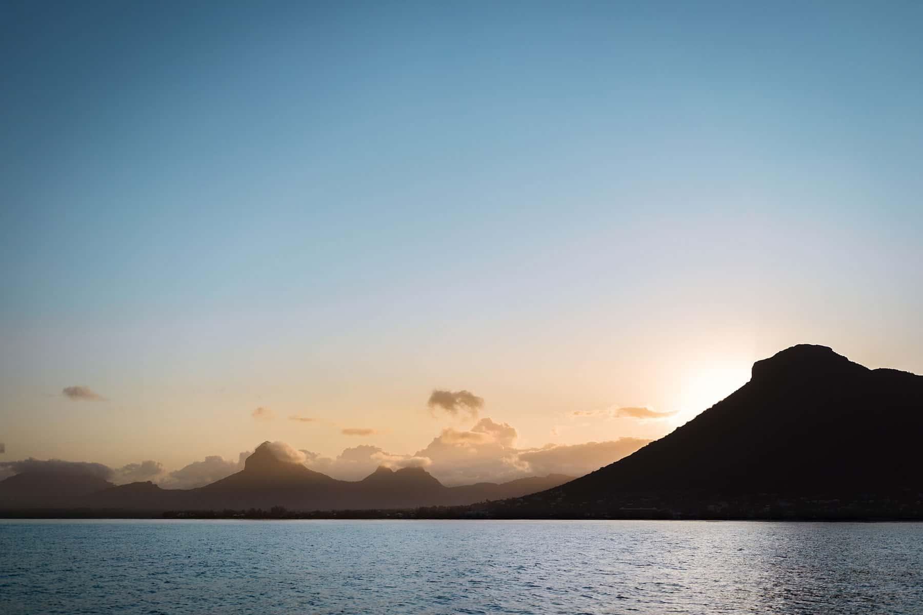 Resor_till_Reunion_i_Indiska_Oceanen_Solnedgång_med_Nygren_Lind_Resebyrå
