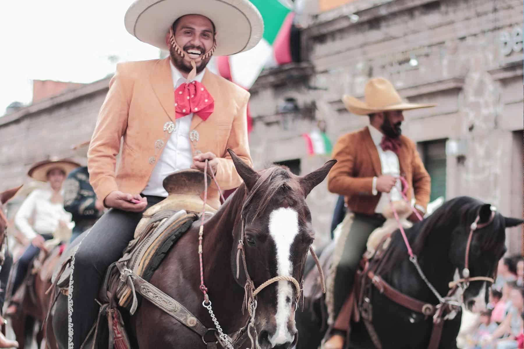 Resor_till_Tulum_i_Mexico_parad_med_Nygren_Lind_Resebyrå