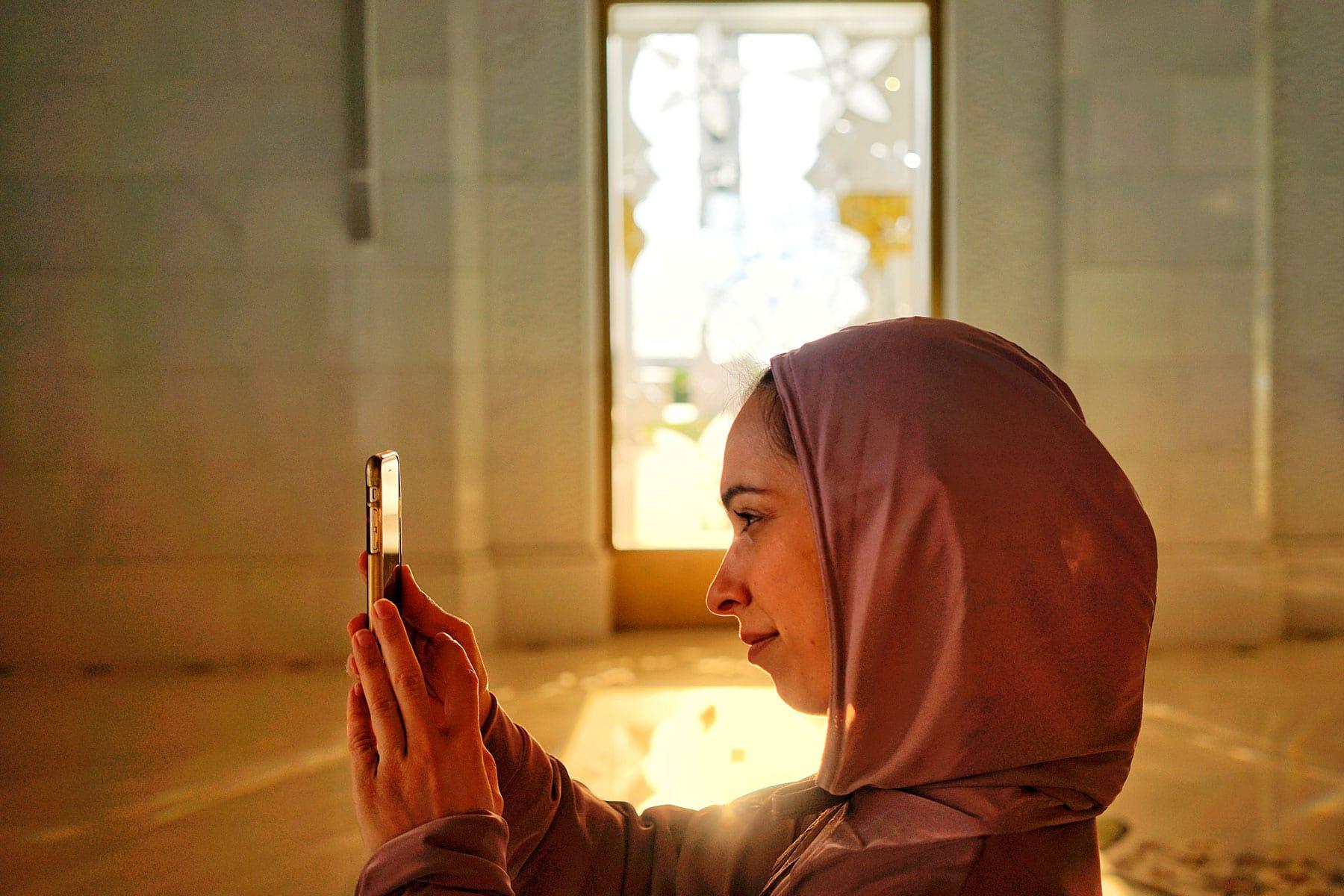 Skräddarsydda-resor-till-Ras-Al-Khaima---kvinna--Nygren-&-Lind-Resebyrå