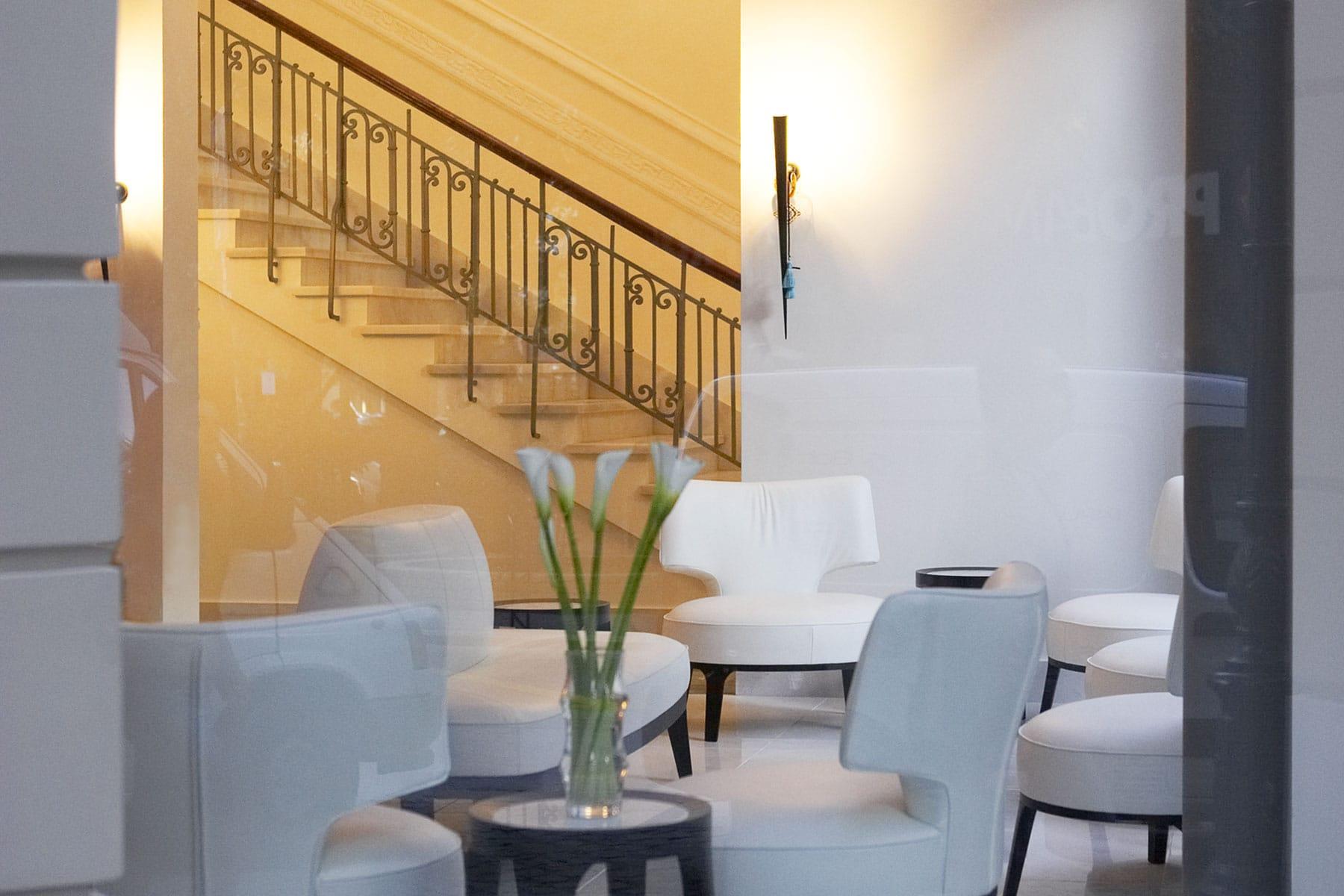 resor-till-thessaloniki-Nygren-&-Lind-Resebyrå--hotell-lobby-